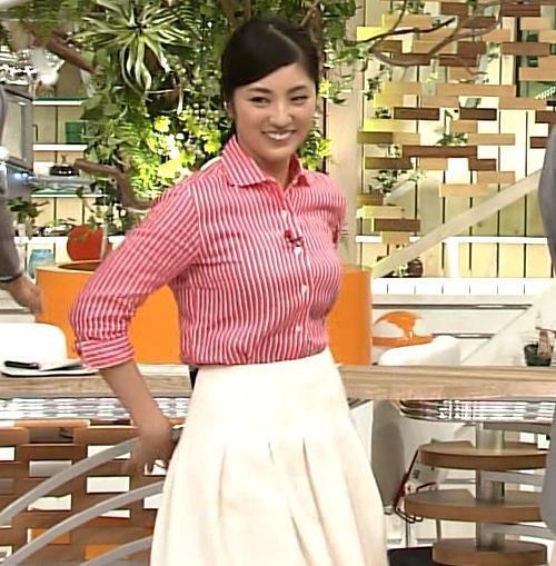 ストライプシャツの岩本乃蒼